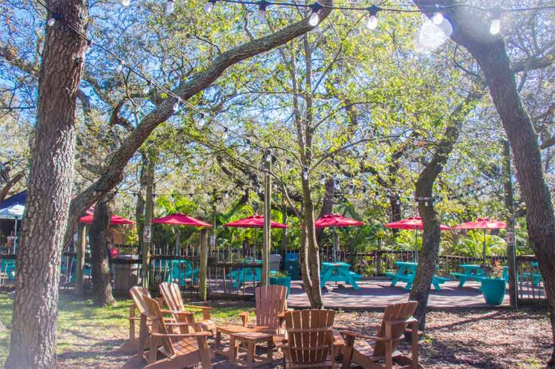 The outdoor beer and wine garden at ZooTampa